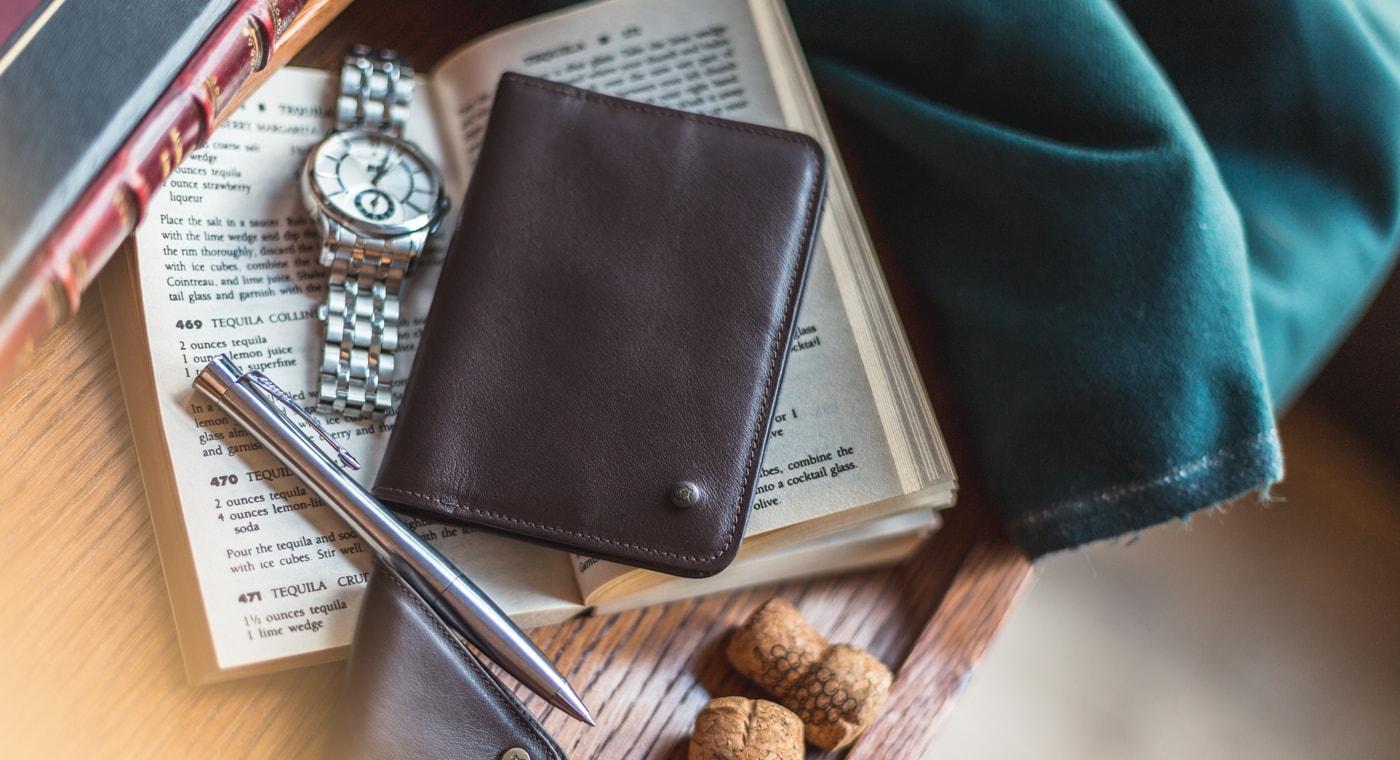 c69eeeb49a863 Daily Wallet - Skórzany portfel do marynarki